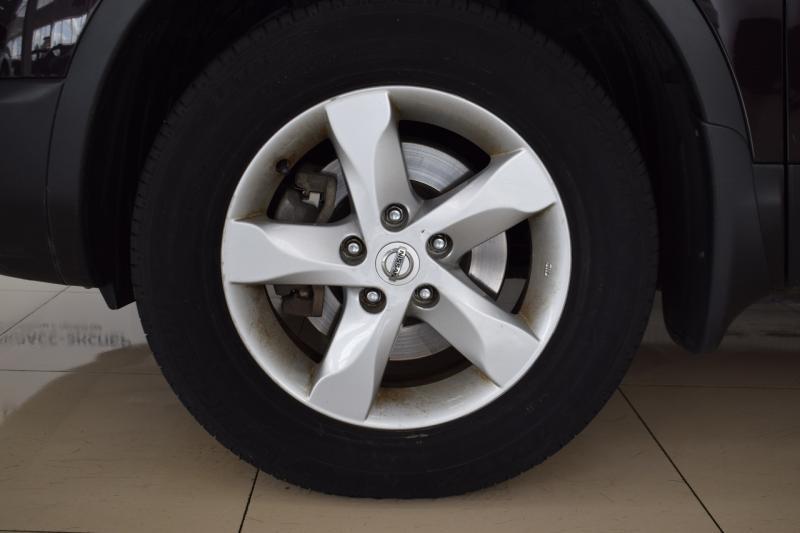 Nissan Qashqai 2.0 CVT 4WD (141 л. с.)
