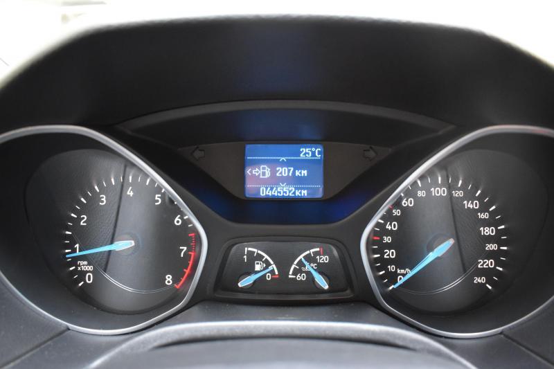 Ford Focus Универсал 1.6 Ti-VCT MT (125 л. с.) Trend