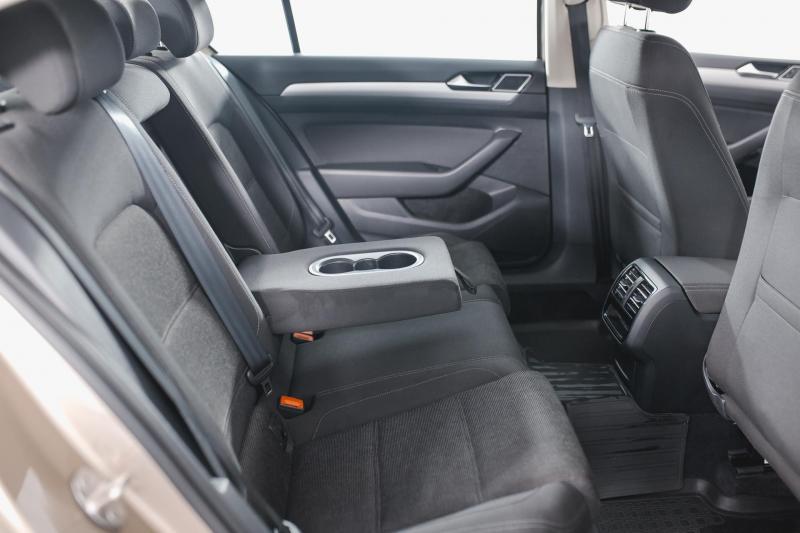 Volkswagen Passat 1.4 TSI BlueMotion DSG (150 л. с.) Comfortline