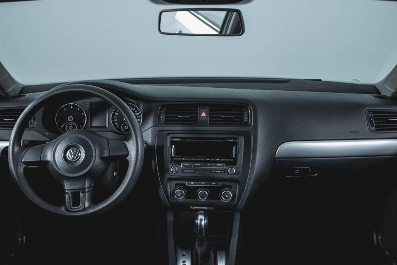 Volkswagen Jetta 1.4 TSI DSG (122 л. с.)