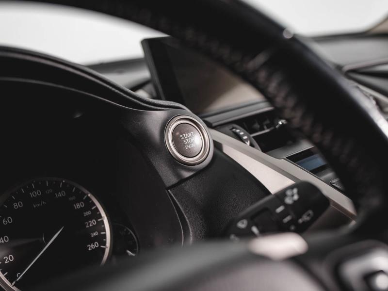 Lexus NX 200 2.0 CVT (151л.с.) 4WD