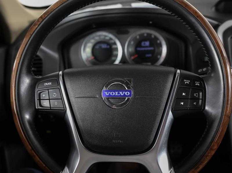 Volvo XC60 2.0 T AT (203 л. с.)