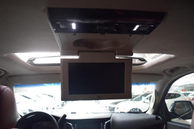 Cadillac Escalade 6.2 AT (409л.с.) 4WD